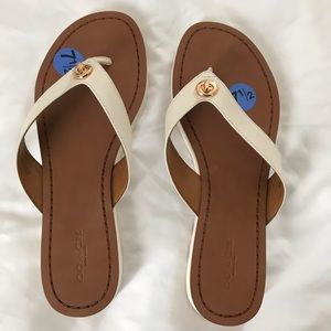Coach flip flops size 71/2  new with out tags.